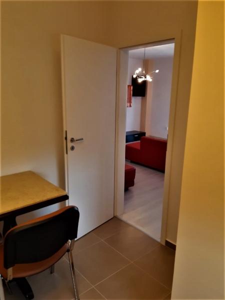 Apartament cu 2 camere ,la prima inchiriere,in COMPLEX TORONTO la 420 -1