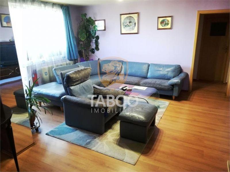 Apartament cu 3 camere, 2 bai, balcon si 50 mp pod zona Ciresica Sibiu-1