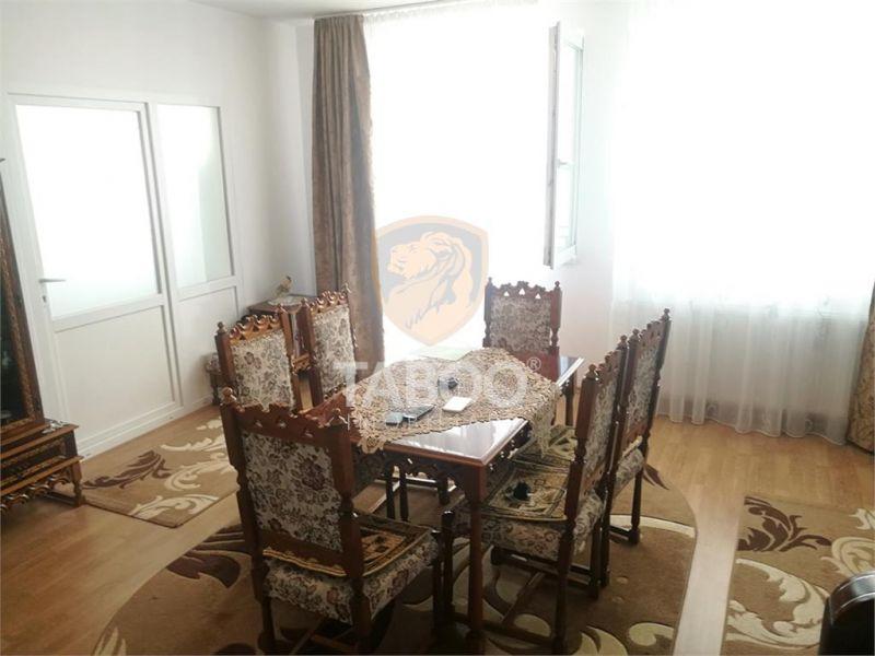 Apartament cu 3 camere 2 bai si 2 balcoane de vanzare in zona Ciresica-1