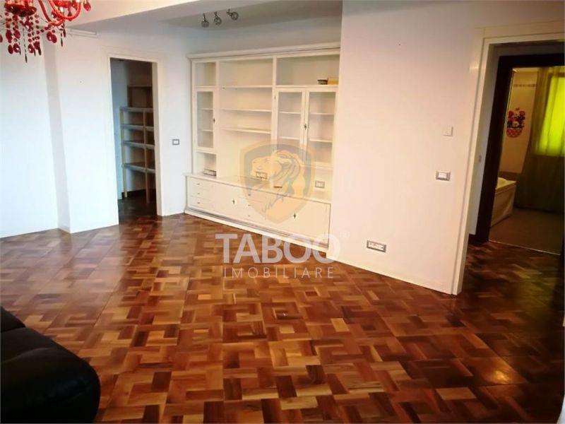 Apartament cu 3 camere 98 mp de inchiriat pe Calea Dumbravii-1