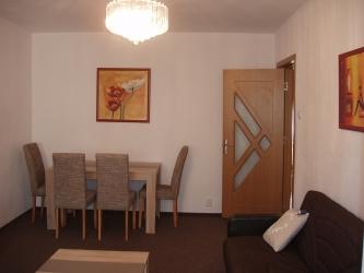 Apartament cu 3 camere de inchiriat in Iasi zona Palas