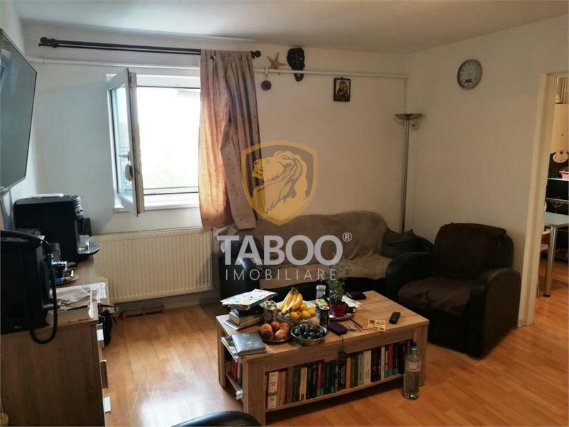 Apartament cu 3 camere de vanzare in Sibiu zona Strand-1