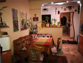 Apartament cu 3 camere decomandate 66 mp si balcon Vasile Aaron