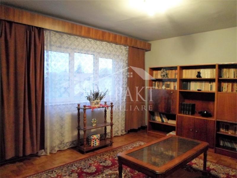 Apartament cu 3 camere decomandate zona Dorobantilor-1