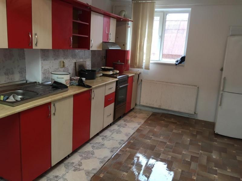 Apartament cu 3 camere in Floresti , Str. Horea -1