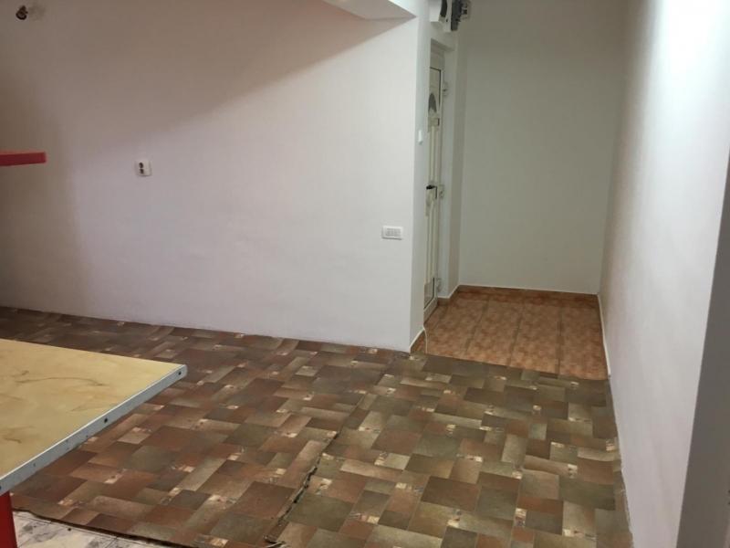 Apartament cu 3 camere in Floresti , Str. Horea -3