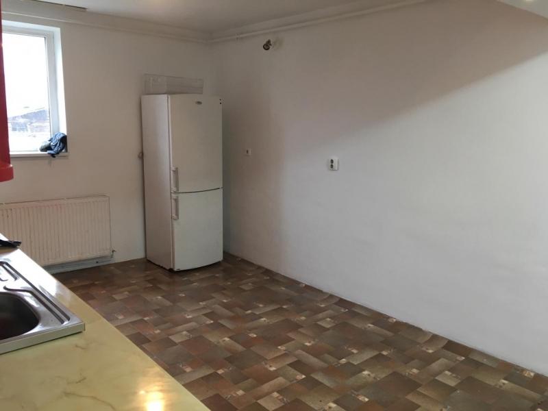 Apartament cu 3 camere in Floresti , Str. Horea -4