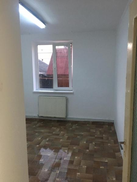 Apartament cu 3 camere in Floresti , Str. Horea -6