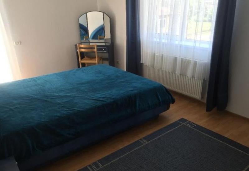 Apartament cu 3 camere in zona CL LIPOVEI la 88.000 euro-3
