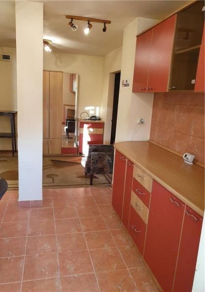 Apartament cu 3 camere in zona DOROBANTI- SIMION BARNUTIU la 71.800 eu-1