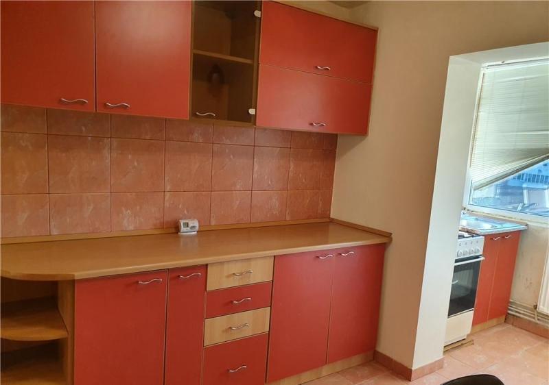 Apartament cu 3 camere in zona DOROBANTI- SIMION BARNUTIU la 71.800 eu-3