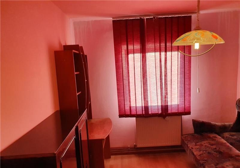 Apartament cu 3 camere in zona DOROBANTI- SIMION BARNUTIU la 71.800 eu-6