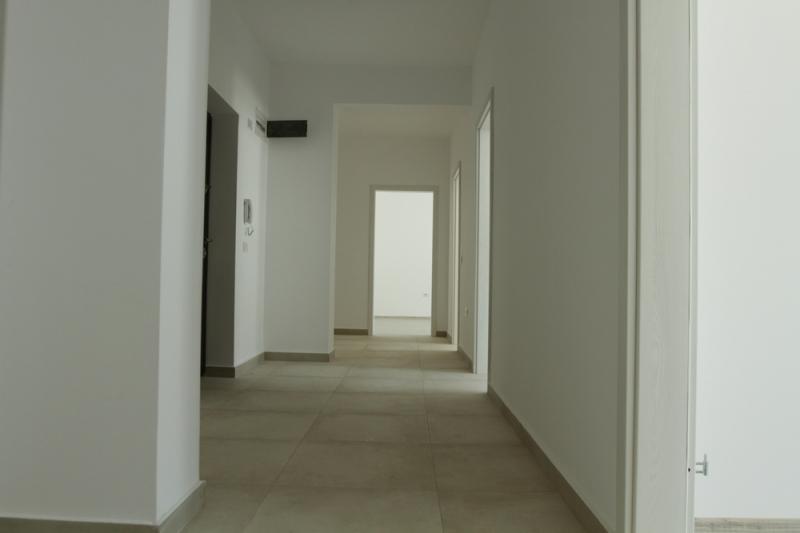 Apartament cu 3 camere la cheie, stradal la bulevard, decomandat-4