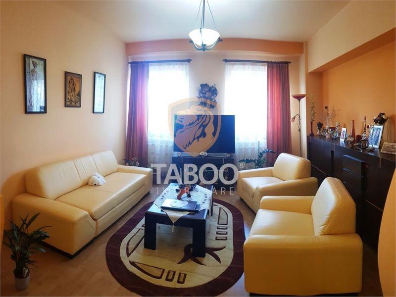 Apartament cu 3 camere loc parcare si pivnita de vanzare in Sibiu-1