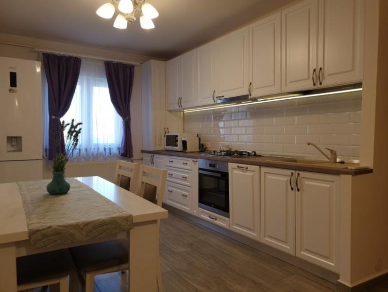 Apartament cu 3 camere ,modern amenajate in CL ARADULUI la 92.500 euro-1
