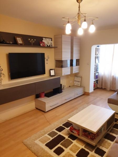 Apartament cu 3 camere ,modern amenajate in CL ARADULUI la 92.500 euro-7