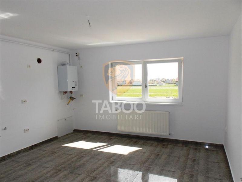 Apartament cu 3 camere si gradina de 150 mp de vanzare in Sibiu-1