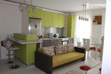 Apartament cu 3 camere - zona CENTRALA