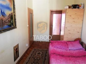 Apartament cu 4 camere 115 mp la casa si curte cu acces auto etajul 1