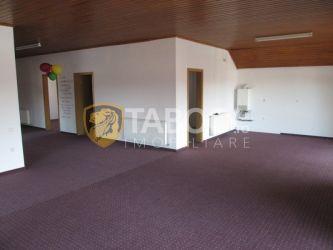 Apartament cu 4 camere de inchiriat in Sebes zona centrala