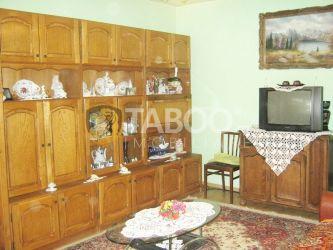 Apartament cu 4 camere de vanzare in Sebes zona centrala