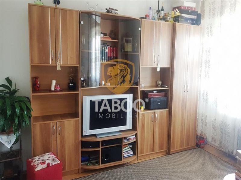 Apartament cu 4 camere si pivnita de vanzare in Sibiu zona Rahovei-1