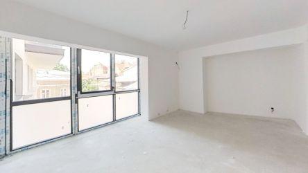 Apartament cu 77mp curte proprie, finisat dupa gustul clientului