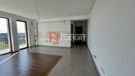 Apartament cu trei camere   SemiDecomandant   Giroc
