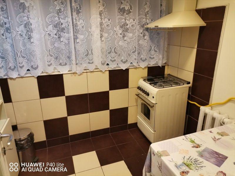 Apartament de inchiriat, 2 camere Decomandat  Nicolina -5