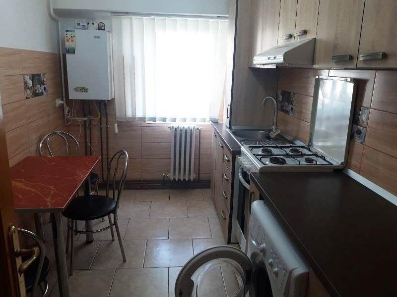 Apartament de inchiriat, 2 camere Decomandat  Pacurari -1