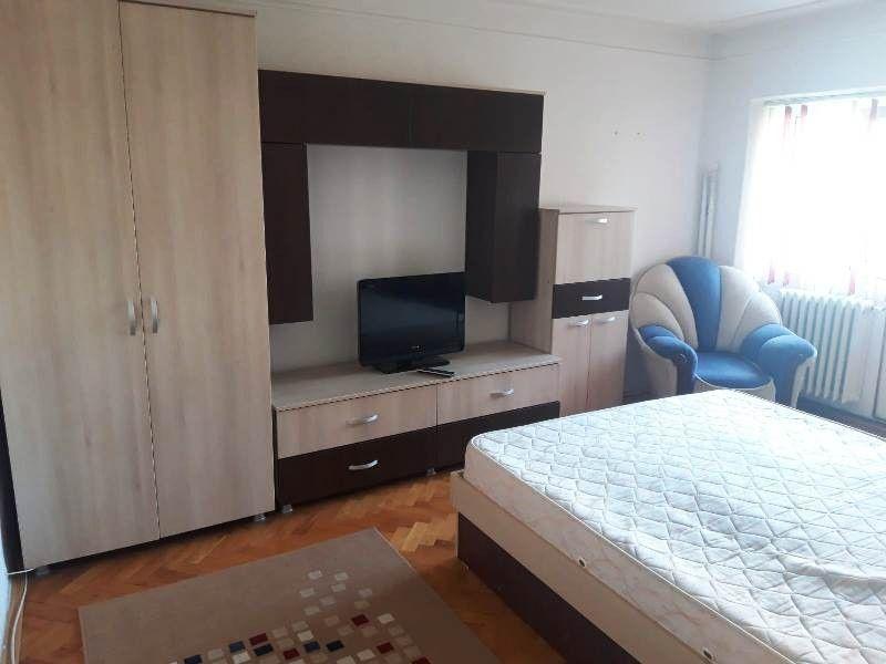 Apartament de inchiriat, 2 camere Decomandat  Pacurari -3