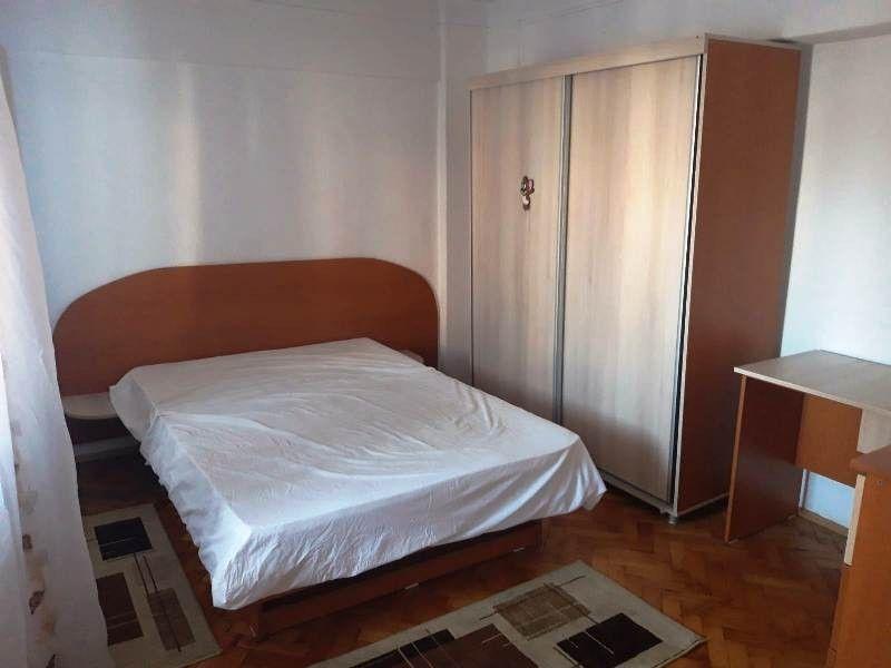 Apartament de inchiriat, 2 camere Decomandat  Pacurari -6