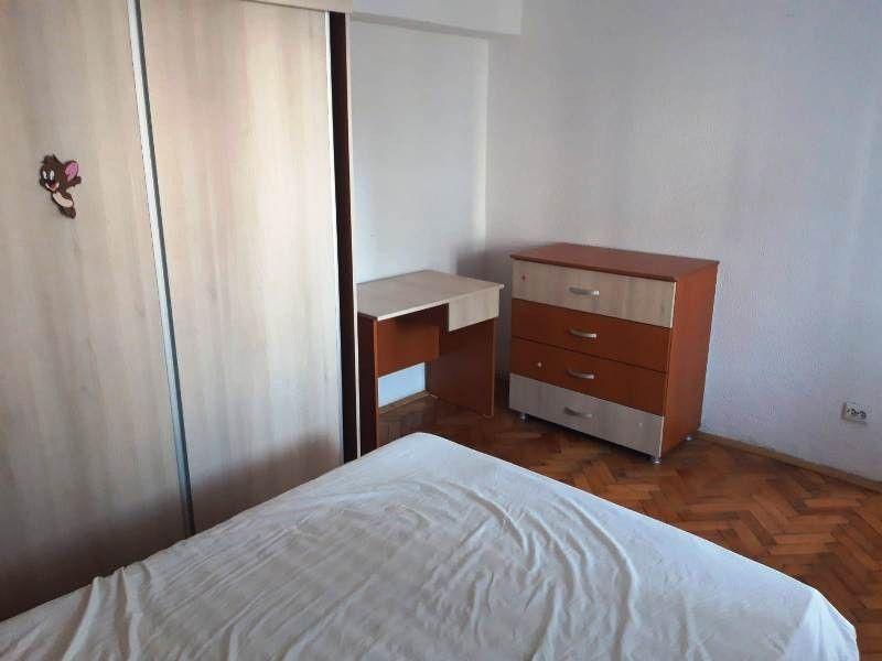 Apartament de inchiriat, 2 camere Decomandat  Pacurari -7