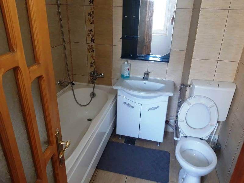 Apartament de inchiriat, 2 camere Decomandat  Pacurari -8