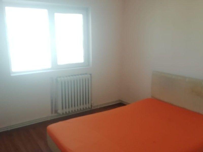 Apartament de inchiriat, 2 camere Decomandat  Podul de Fier -1