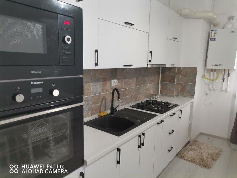 Apartament de inchiriat, 2 camere Semidecomandat  Nicolina -7