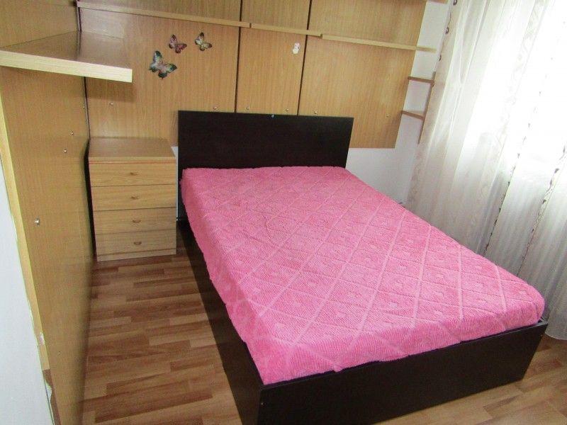 Apartament de inchiriat, 2 camere Semidecomandat  Podu Ros -1