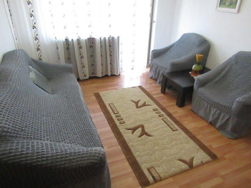 Apartament de inchiriat, 2 camere Semidecomandat  Podu Ros -6