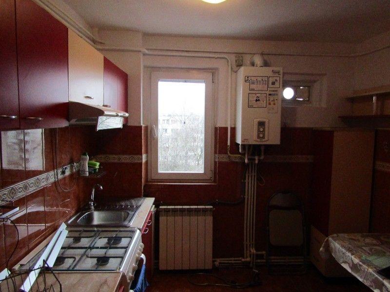 Apartament de inchiriat, 2 camere Semidecomandat  Podu Ros -9