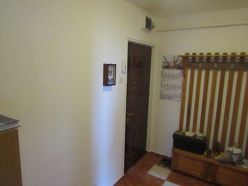 Apartament de inchiriat, 2 camere Semidecomandat  Podu Ros -10