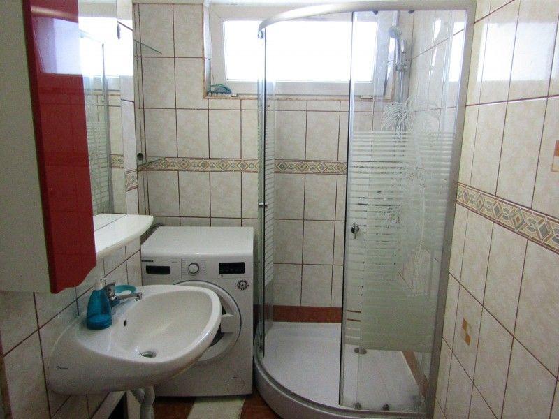Apartament de inchiriat, 2 camere Semidecomandat  Podu Ros -13