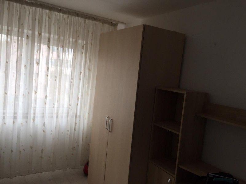 Apartament de inchiriat, 2 camere Semidecomandat  Podu Ros -4