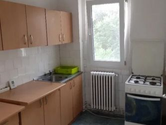 Apartament de inchiriat, 2 camere Semidecomandat  Podu Ros