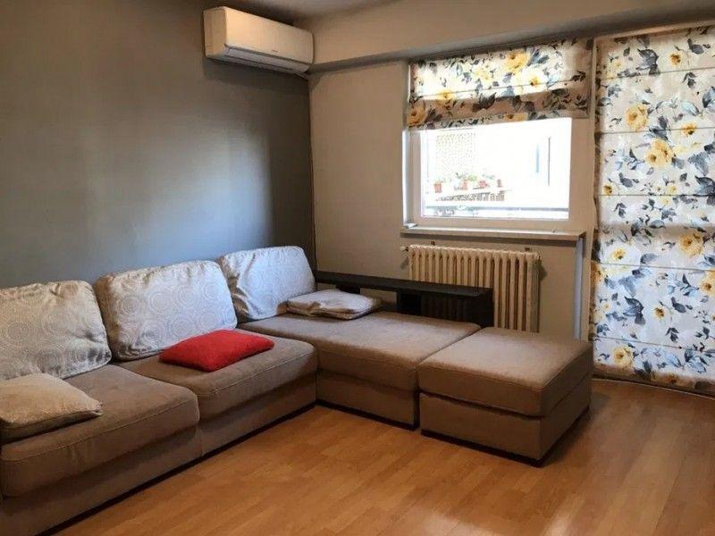 Apartament de inchiriat, 3 camere Decomandat  Centru Civic -1