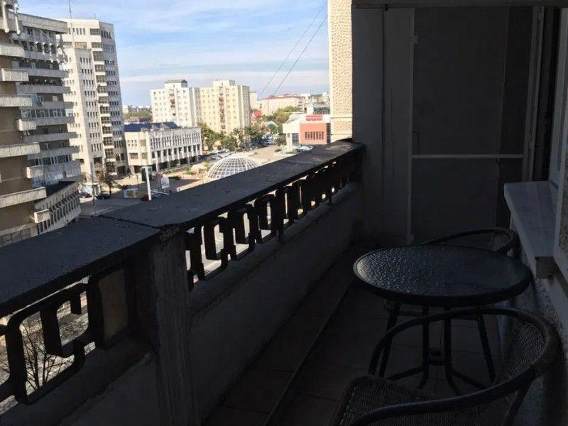 Apartament de inchiriat, 3 camere Decomandat  Centru Civic -3