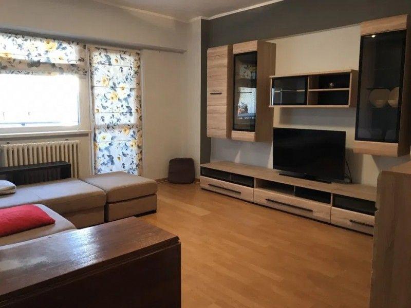 Apartament de inchiriat, 3 camere Decomandat  Centru Civic -4