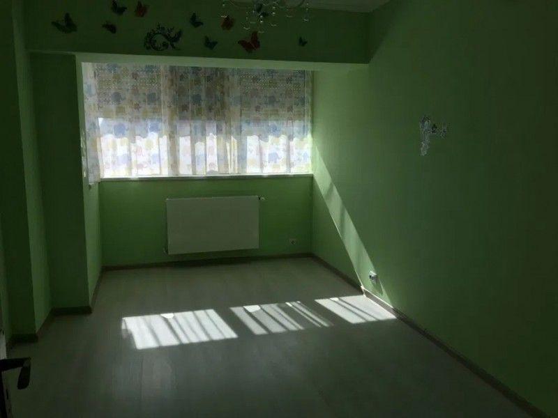 Apartament de inchiriat, 3 camere Decomandat  Centru Civic -5