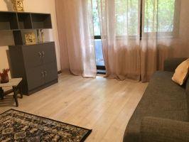 Apartament de inchiriat, 3 camere Decomandat  Podul de Piatra