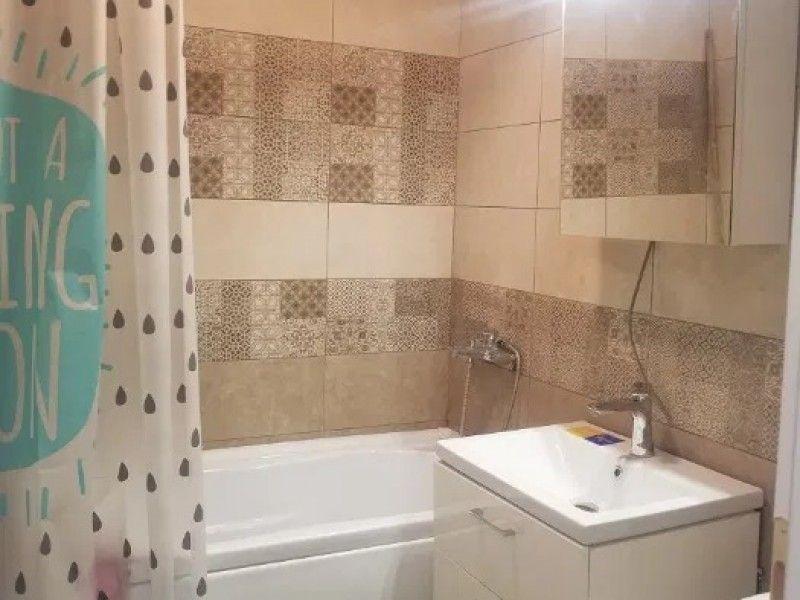 Apartament de inchiriat, 3 camere Decomandat  Tatarasi -5