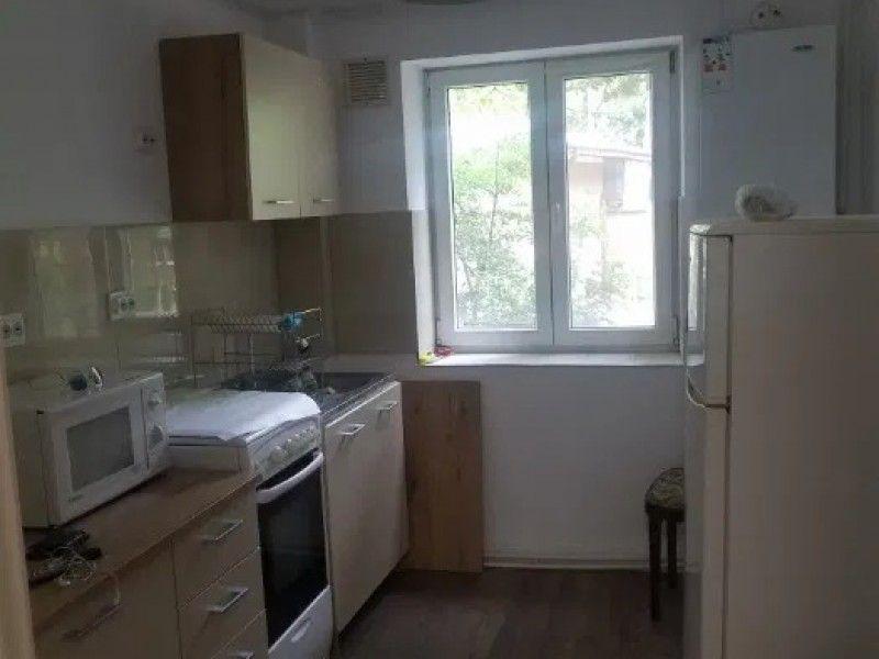 Apartament de inchiriat, 3 camere Decomandat  Tatarasi -6